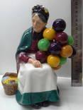 Статуэтка продавщица шаров.Фарфор,Англия Royal Doulton 1954г.