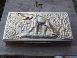 Большая шкатулка со слоном, чеканка, штихель, клеймо.