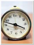 Часы-будильник Севани на ремонт-реставрацию photo 1