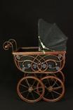 Старая коляска для кукол. Винтаж. Европа. (0064)