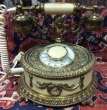 Телефон Дисковый Обрамлен Бронзой,Фигура