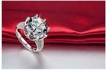 Потрясающее кольцо с бриллиантом 8К серебро 925 пробы покрыто белым золотом