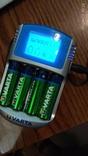 VARTA зарядное с экраном  + БОНУС 8 шт АА аккумуляторов на 2700а
