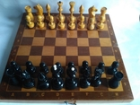 Шахматы. Фигура и доска из дерева.