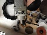 Бытовая электрическая машина с комплектом насадок и приспособлений photo 4