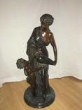Статуетка Женщина с кувшином и ребенком