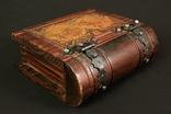Оригинальная деревянная шкатулка. Винтаж. Резьба. Европа. (0185)
