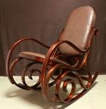 Кресло-качалка в тонетовской технике. Новая. Европа. (0205)