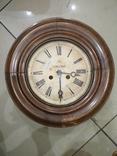 Часы настенные круглые Le Roi a Paris