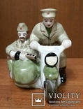 Солдаты на мотоцикле