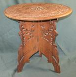 Столик дерев'яний, різблений