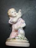 Девочка с голубем. СССР. 12 см., фото №2