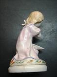 Девочка с голубем. СССР. 12 см., фото №4