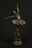 Статуэтка. Бронза. Юная балерина. 1,96 кг. Европа. (0455)