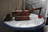 Металлический трактор