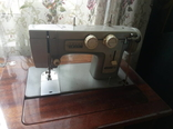 Ножная швейная машина Чайка-III с тумбой-столом