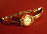 Золотые женские часы Чайка
