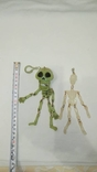 Два скелета , пластик . можно в авто ) . брелоки, фото №3