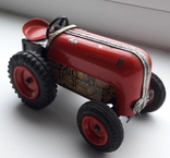 Трактор.