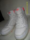 Кроссовки Nike размер 41 по стельке 26.5см