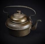 Старый медный чайник Европа