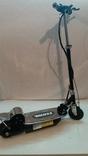Электрический E-scooter V8 120W 16 км / ч Аккумуляторная батарея
