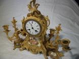 Тройка часы каминные и два подсвечника, бронза с золочением фарфор начало 19 века.
