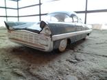 Жестяная игрушка автомобиль Чайка. Сделано в СССР в начале 80 годов.(ВАПО)