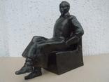 Дзержинский в кресле.Ск-р Смирнов