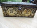 Металлическая коробка с под конфет к 300-летию дома Романовых. 1913 photo 3