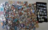 Значки 395 штук photo 1