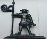 Старый Томас бронзовый символ Таллина