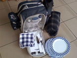 Терморюкзак Hama с посудой и прорезиняным ковриком для пикника
