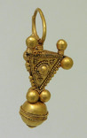 Большой золотой подвес, раннее средневековье photo 2