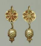 Пара античных золотых серег photo 2