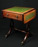 Винтажный раскладной столик на колесиках с выдвижным ящиком. Шератон. Европа. (0394)