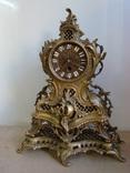 Старые настольные или каминные механические часы .Бронза.Родная патина.