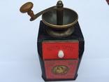 Кофемолка 21 в коллекцию или интерьера кафе ресторана бара