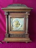 Кабинетные часы с вестминстерским перезвоном