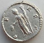 Денарий Diva Фаустина I 141 г н.э. (24_28) фото 5