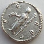 Денарий Diva Фаустина I 141 г н.э. (24_28) фото 7