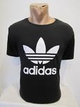 Модная мужская футболка Adidas оригинал в хорошем состоянии
