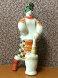 Статуэтка фарфор Солоха со ступой. Киев. СССР. photo 5