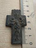 Старинный крестик. Дерево.