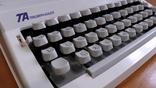 Новая механическая печатная машинка Triumph-Adler Contessa 2 de luxe photo 5