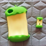 Силиконовый чехол бампер для Apple Iphone 4/4s с держателем для наушников