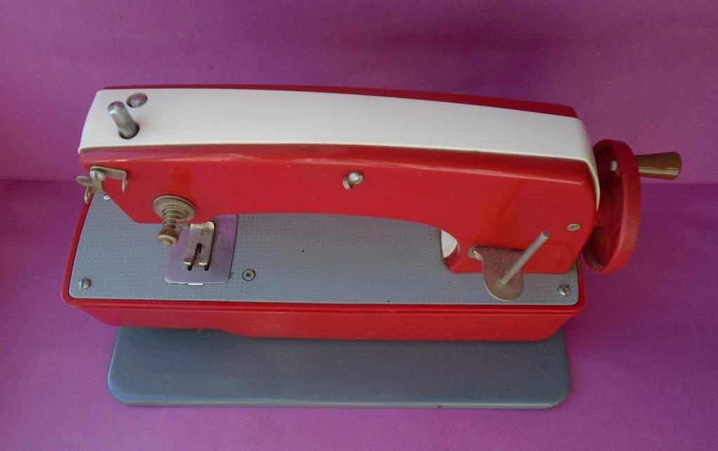Детская швейная машинка., фото №3