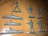 Лот солдатиков с санитаркой. photo 5
