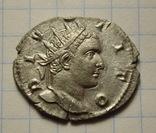 Посмертный антониниан Тита, отчеканен при Траяне Деции
