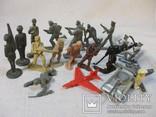 Солдатики и фигурки разные 20 шт, фото №2